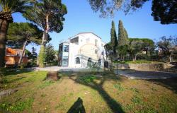 iv1107 Villa with swimming pool and sea view for sale in Bordighera. 6