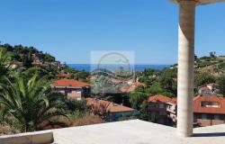 V728 For sale in Bordighera ,hilly area, independent house of 190sqm with sea view. 1