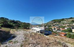 V728 For sale in Bordighera ,hilly area, independent house of 190sqm with sea view. 10