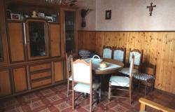 Habitable two bedroom, town house,with garden, located 2km from Bomba and offering open lake and mountain views. 4
