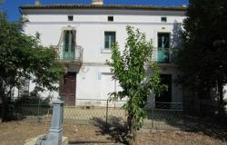 Detached farm house with 2 buildings, 3 bedrooms, garage, 1000sqm of land, peaceful location. 0