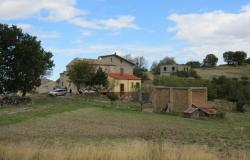 10 hectares of land around a group of stone houses in a panoramic, mountain location 4km to Torricella Peligna. 0