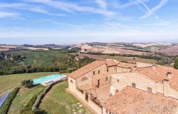 Amazing Restored Farmhouse With Pool In Asciano, Tuscany 14