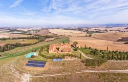Amazing Restored Farmhouse With Pool In Asciano, Tuscany 1