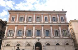 Rome- one bedroom apartment in historic palace 0