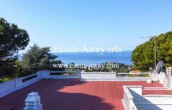 iv907 For sale in Bordighera, in the hills, villa with sea view  0