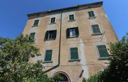 Castagneto Carducci, apartment in historic house with rumpus room 0