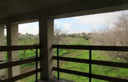 Detached, habitable, 4 bedroom, country house with 700sqm of garden, outbuilding and open views. 4