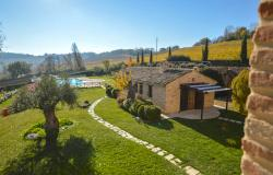 Farmhouse With Dependance and Pool Surrounded by Vineyards 21