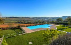 Farmhouse With Dependance and Pool Surrounded by Vineyards 6