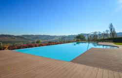 Farmhouse With Dependance and Pool Surrounded by Vineyards 7