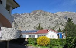 Detached villa, well-kept garden, 3 floors, 6 bedrooms, mountain views and 2 double garages and solar panels. 0