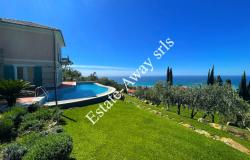 B1141 Villa with panoramic view and swimming pool for sale in Bordighera. 0