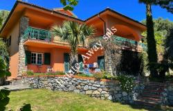 B1142 Villa with sea view for sale in Ospedaletti. 0