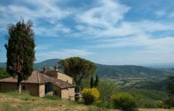 Restored Country Home for sale in Tuscany near Arezzo Ref. TCR-004  3