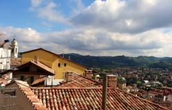 Charming townhouse for sale in Canelli, Piedmont, Italy