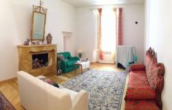 Elegant apartment near Cathedral square, period building with lift three bedrooms