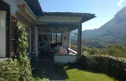 Detached Villa, with Pool, Garden and Garage, Beautiful Lake View 0