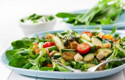 salad with asparagus and green beans