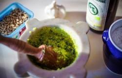 Pesto sauce made in the mortar