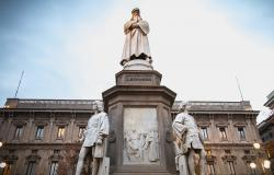 The Leonardo da Vinci statue in Milan Italy