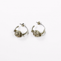 Trento's earrings 1