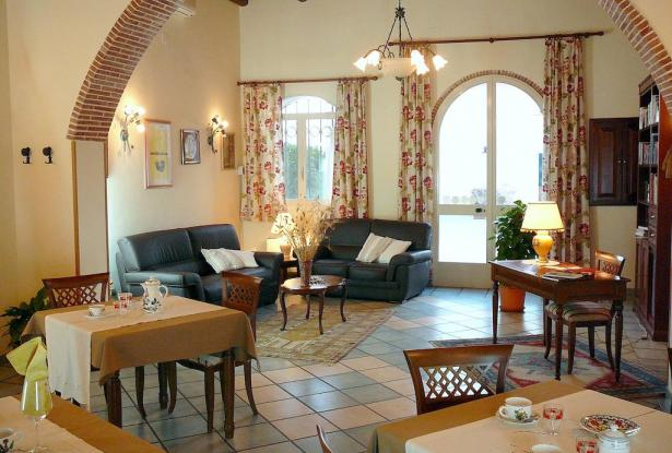 reception and common room at Limoneto Sicily