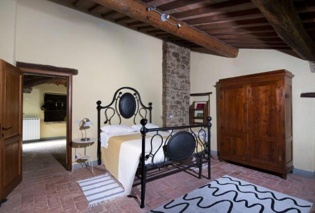 Restored Country Home for sale in Tuscany near Arezzo Ref. TCR-004  11