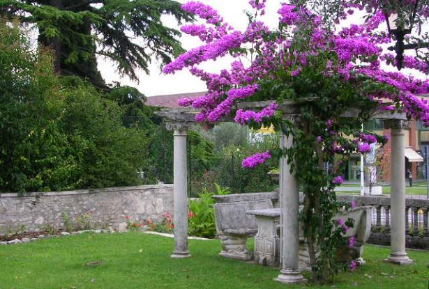 Apartment in Toscolano-Maderno, Lake Garda, Lake Iseo, Wonderful Appartment  with well tended garden area | ITALY Magazine