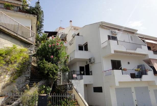 An Beautiful two levels with fantastic sea view in Scalea 0