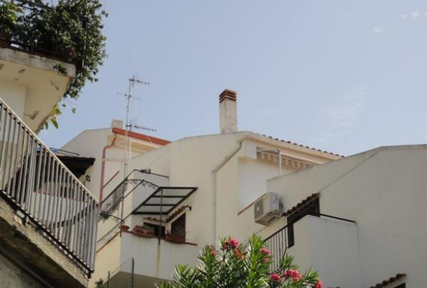 An Beautiful two levels with fantastic sea view in Scalea 1