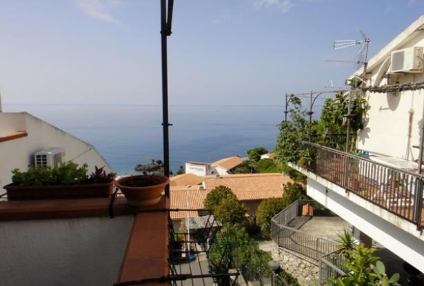 An Beautiful two levels with fantastic sea view in Scalea 12