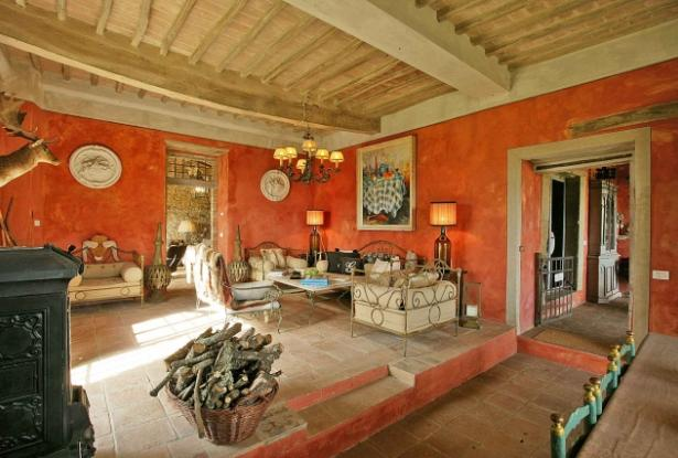 Luxury farmhouse with pool for sale in Chianti
