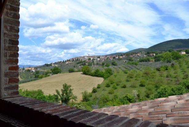 Orvieto, Montecchio, farmhouse to be finished with land rif. or690m 2