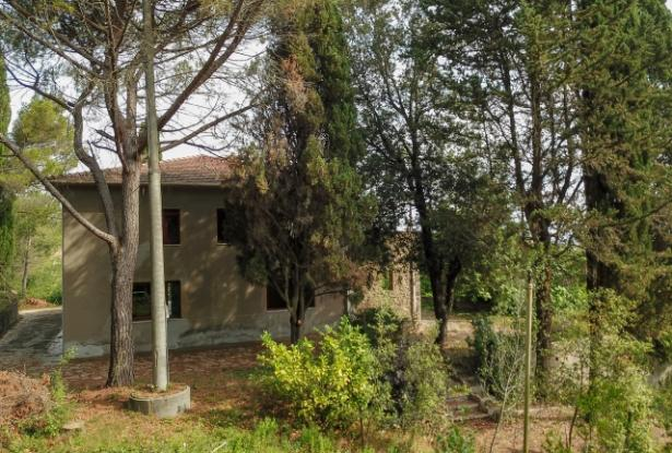 Nice villa of the seventies nestled in the typical Tuscan countryside 4