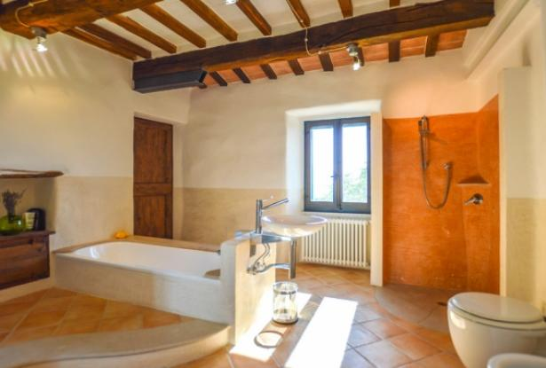 Superb Farmhouse With Views of Valle del Metauro, Le Marche 21