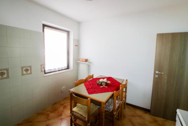 Riva del Garda apartment in Sant'Alessandro 22