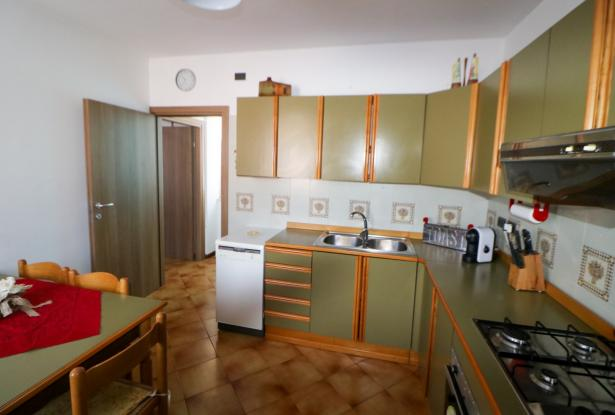 Riva del Garda apartment in Sant'Alessandro 23