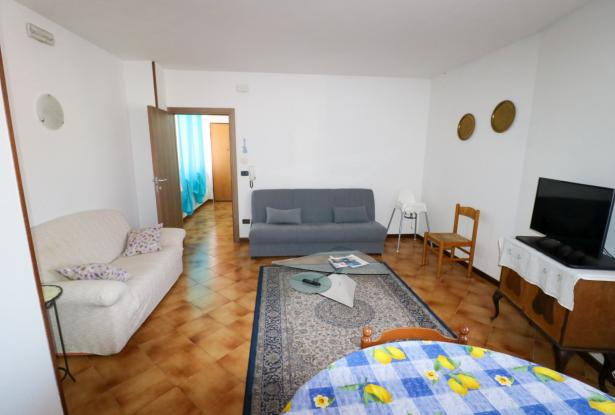 Riva del Garda apartment in Sant'Alessandro 8