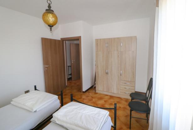 Riva del Garda apartment in Sant'Alessandro 31