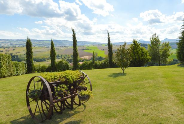 An Enviable Country Retreat That Will Inspire, Le Marche 8