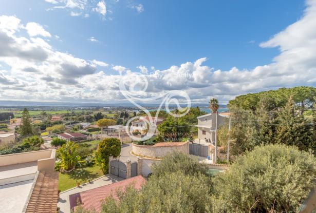 Elegant villa with sea view located in the Isola area (SR) 048-20  0