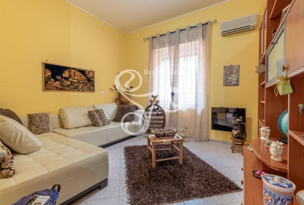 Elegant villa with sea view located in the Isola area (SR) 048-20  4