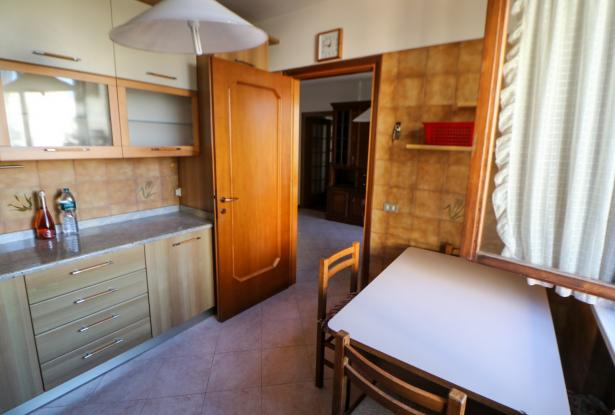 Desenzano two room apartment and garage 27