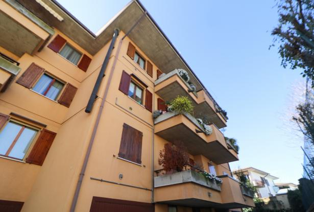 Desenzano two room apartment and garage 1