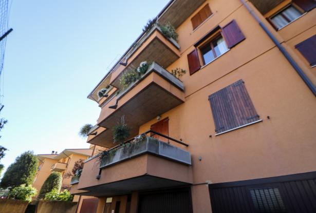 Desenzano two room apartment and garage 2