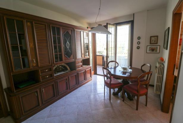 Desenzano two room apartment and garage 6