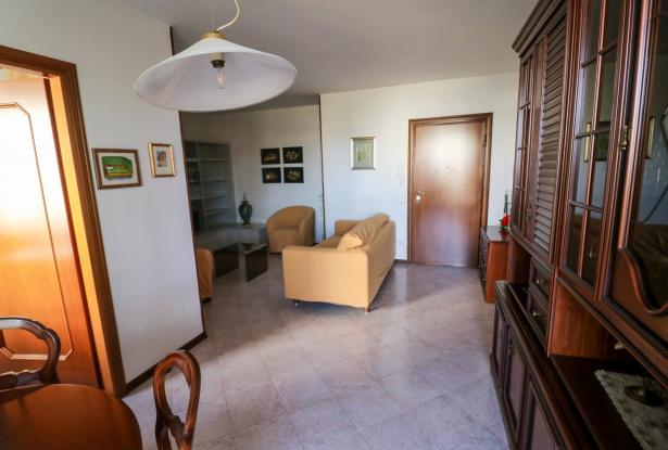 Desenzano two room apartment and garage 16