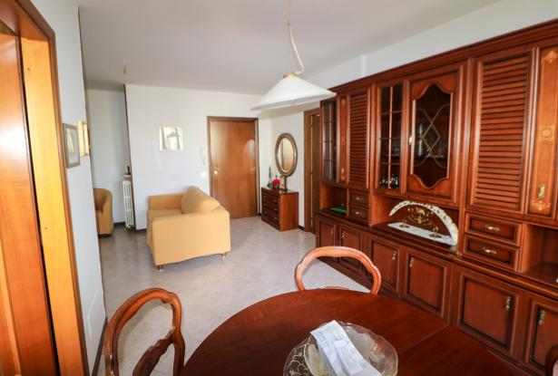 Desenzano two room apartment and garage 15