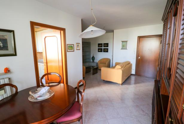 Desenzano two room apartment and garage 17
